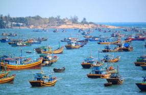 vietnam fanthiet beach and