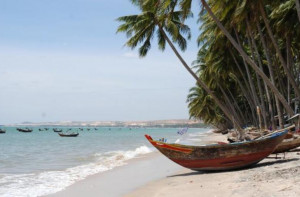 vietnam fanthiet beach