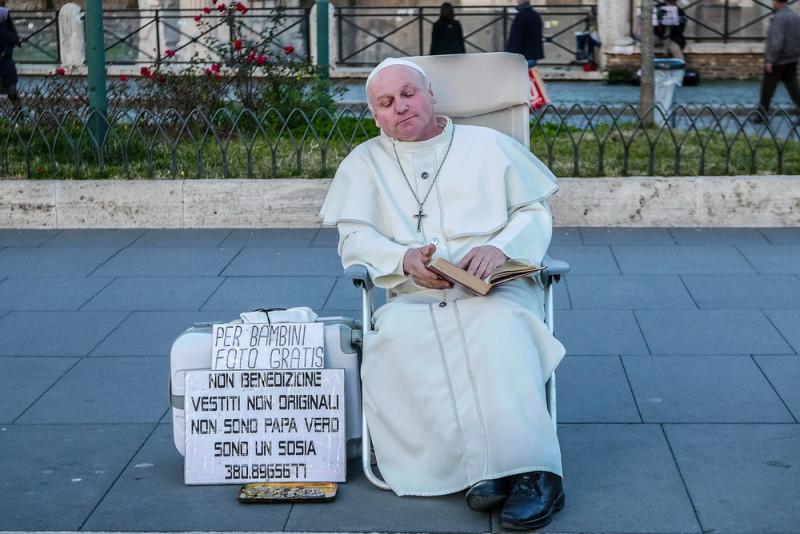 Ватикан, Италия